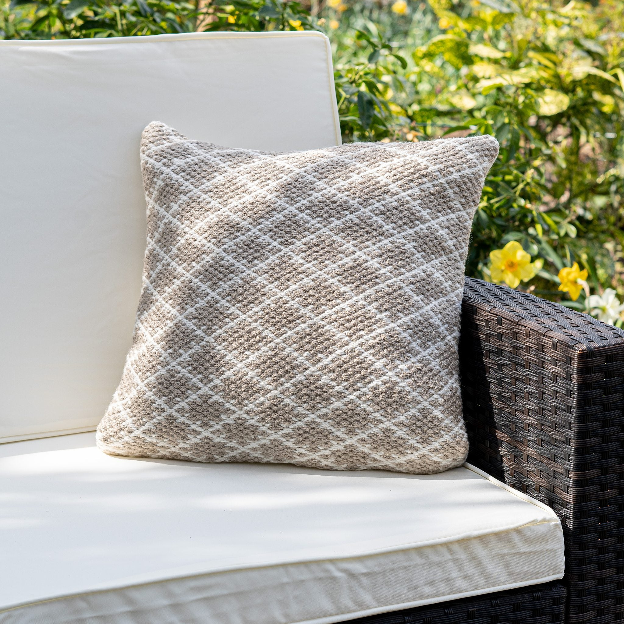 An image of Modern Trellis Eco-Friendly Woven Indoor / Outdoor Rug 45cm Cushion / Natural