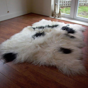 Icelandic Sheepskin Rug Spotted (Quad) XL