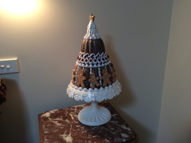 2 Tier Gingerbread cake