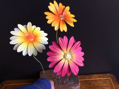 Bright Metal Gerbera Stake - Pale Yellow