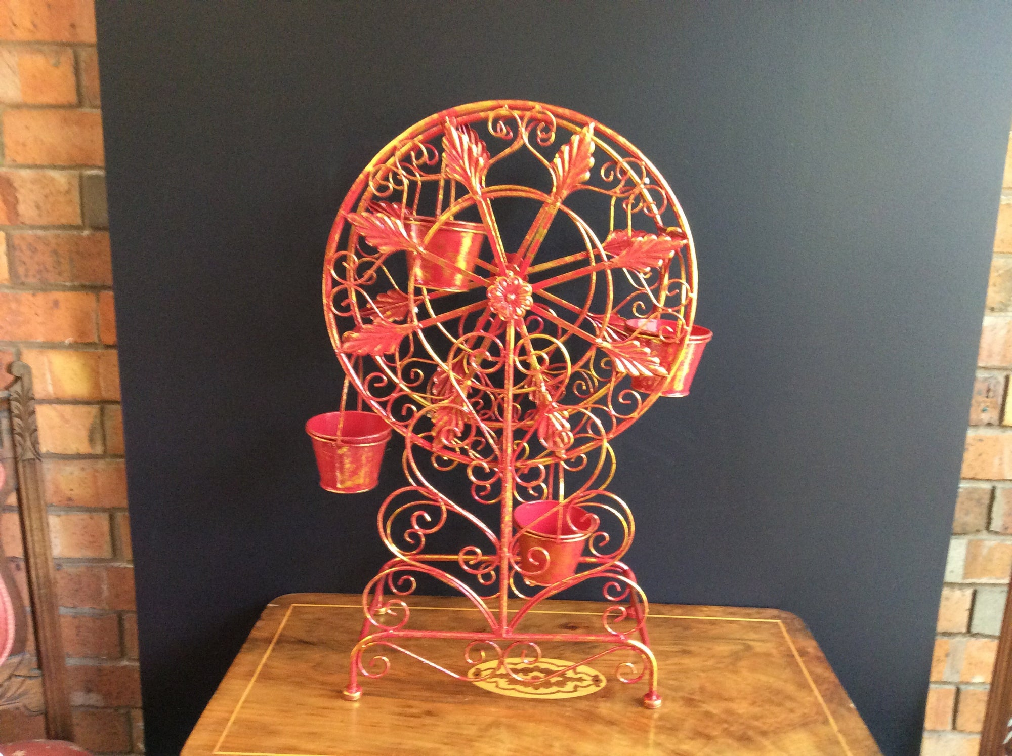 Christmas Red/Gold  68cm Ferris Wheel