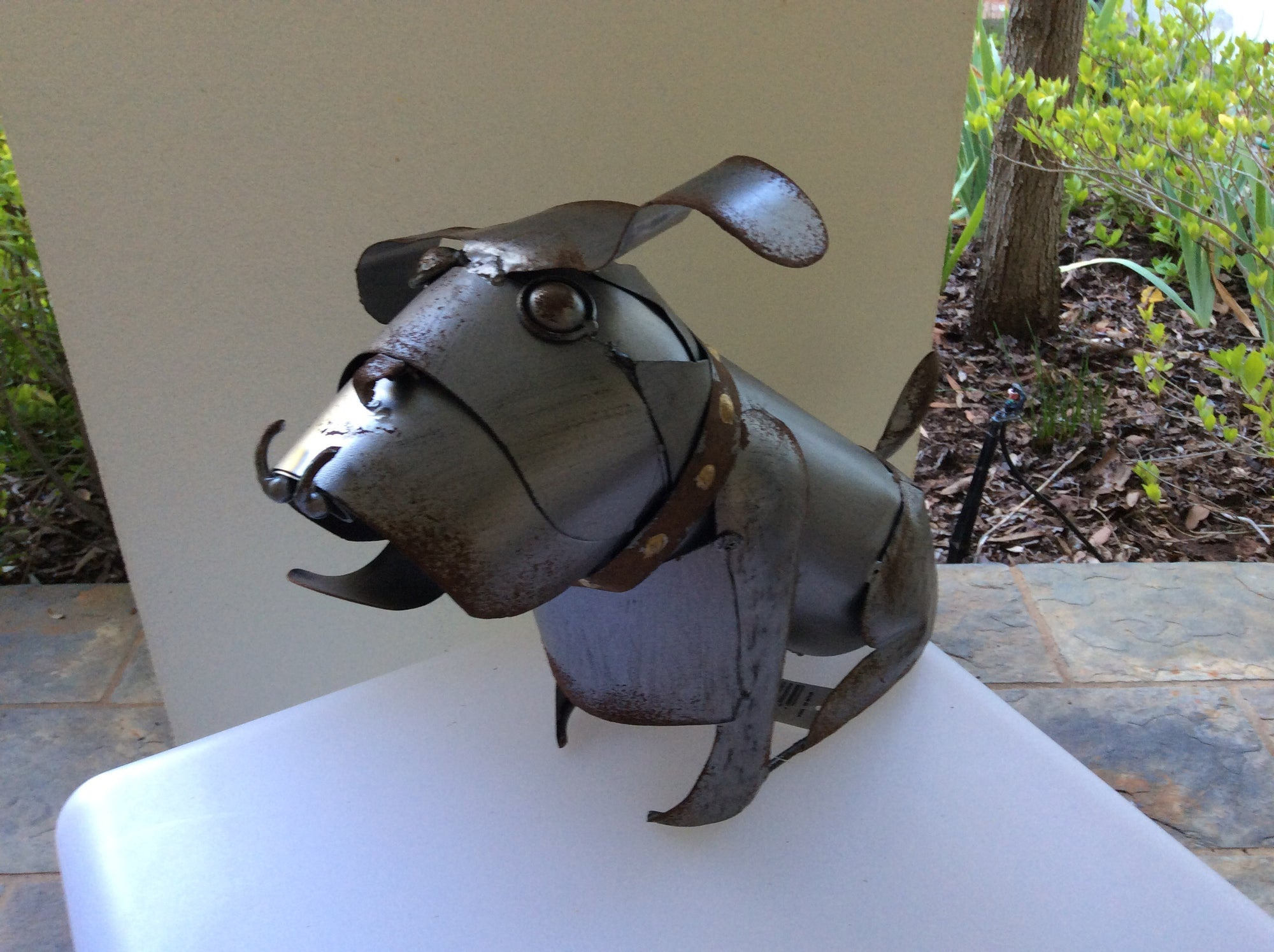 Doug the Bulldog Metal statue