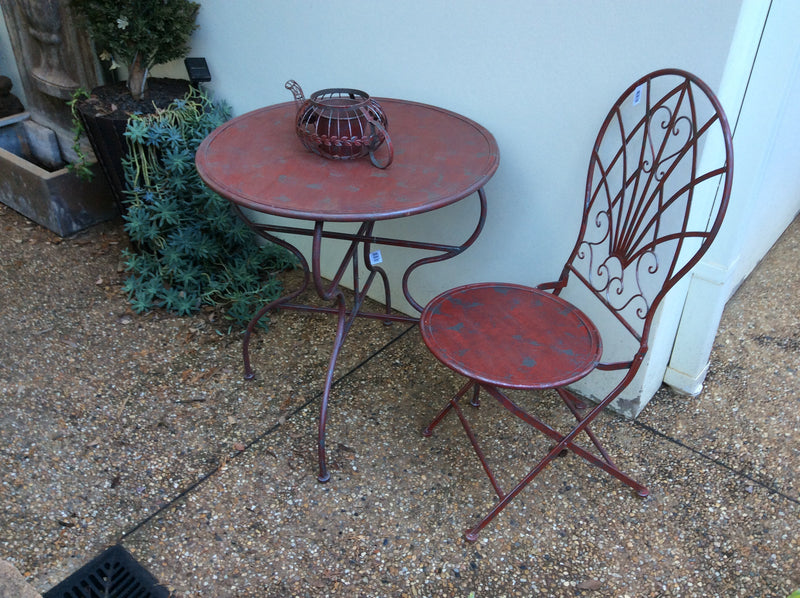 Federation Antique Red Round Metal Table