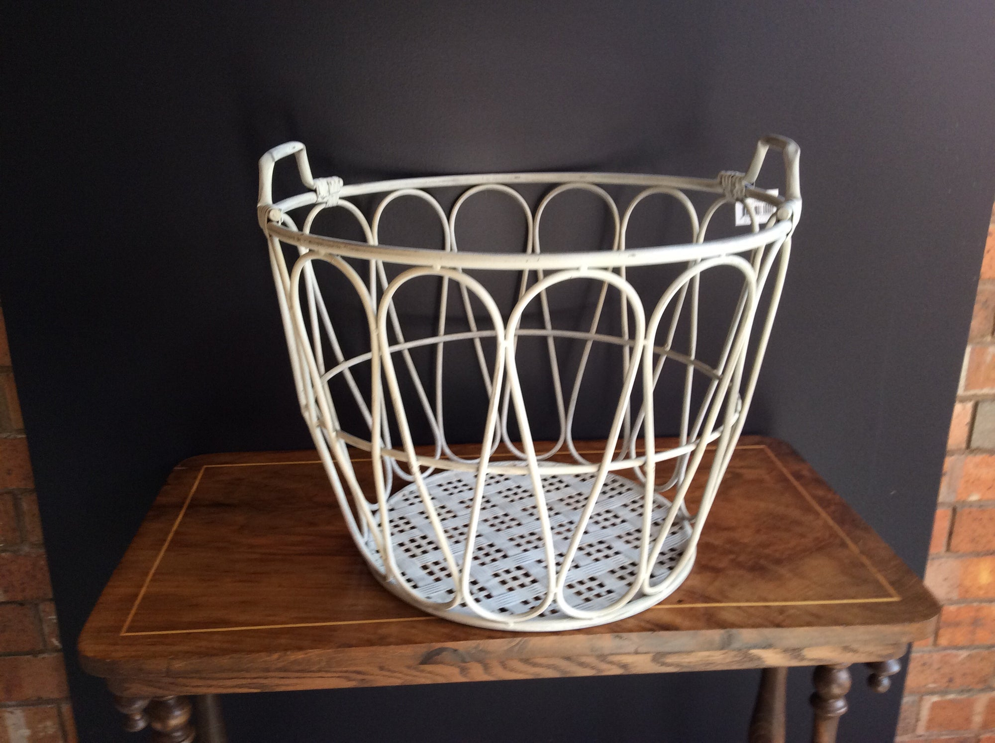 Set of 2 Nested Large Metal Baskets w/teardrop