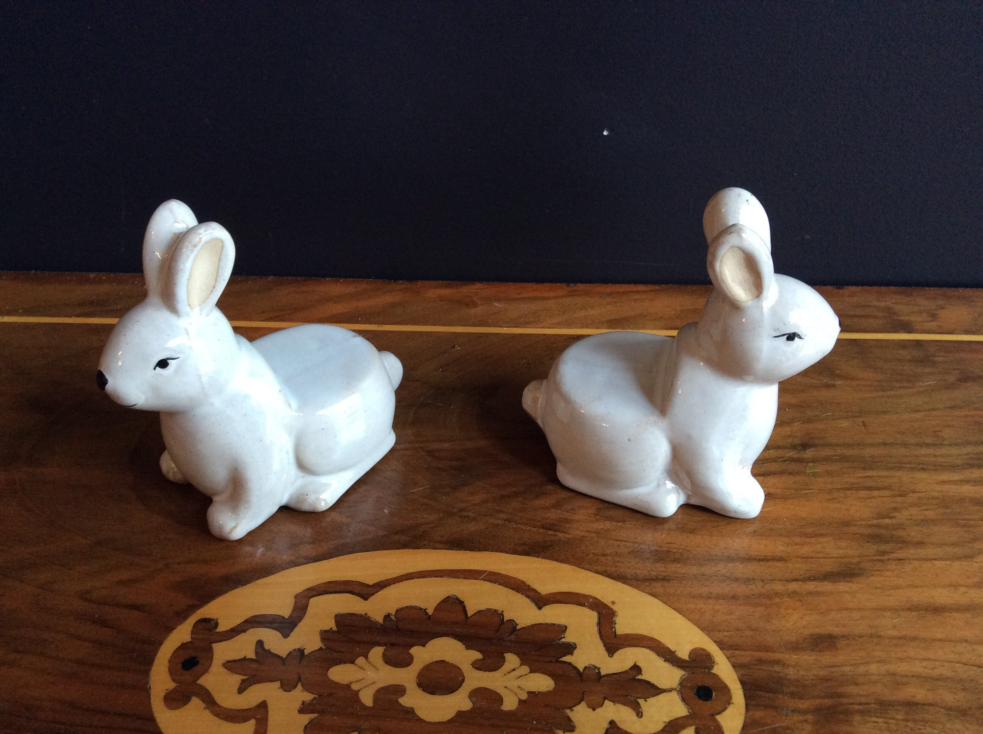 Ceramic White Rabbit Pot Feet