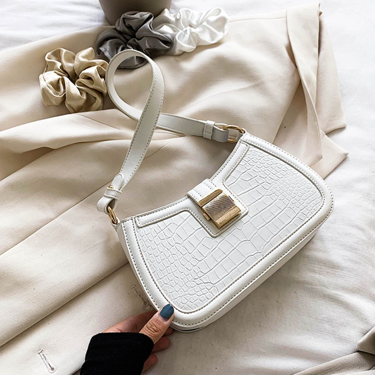 Ellise Shoulder Bag- White