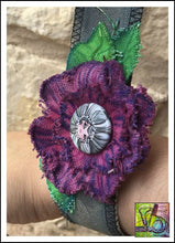 Load image into Gallery viewer, Canvas Die Cuts Round Flowers Cut Shapes