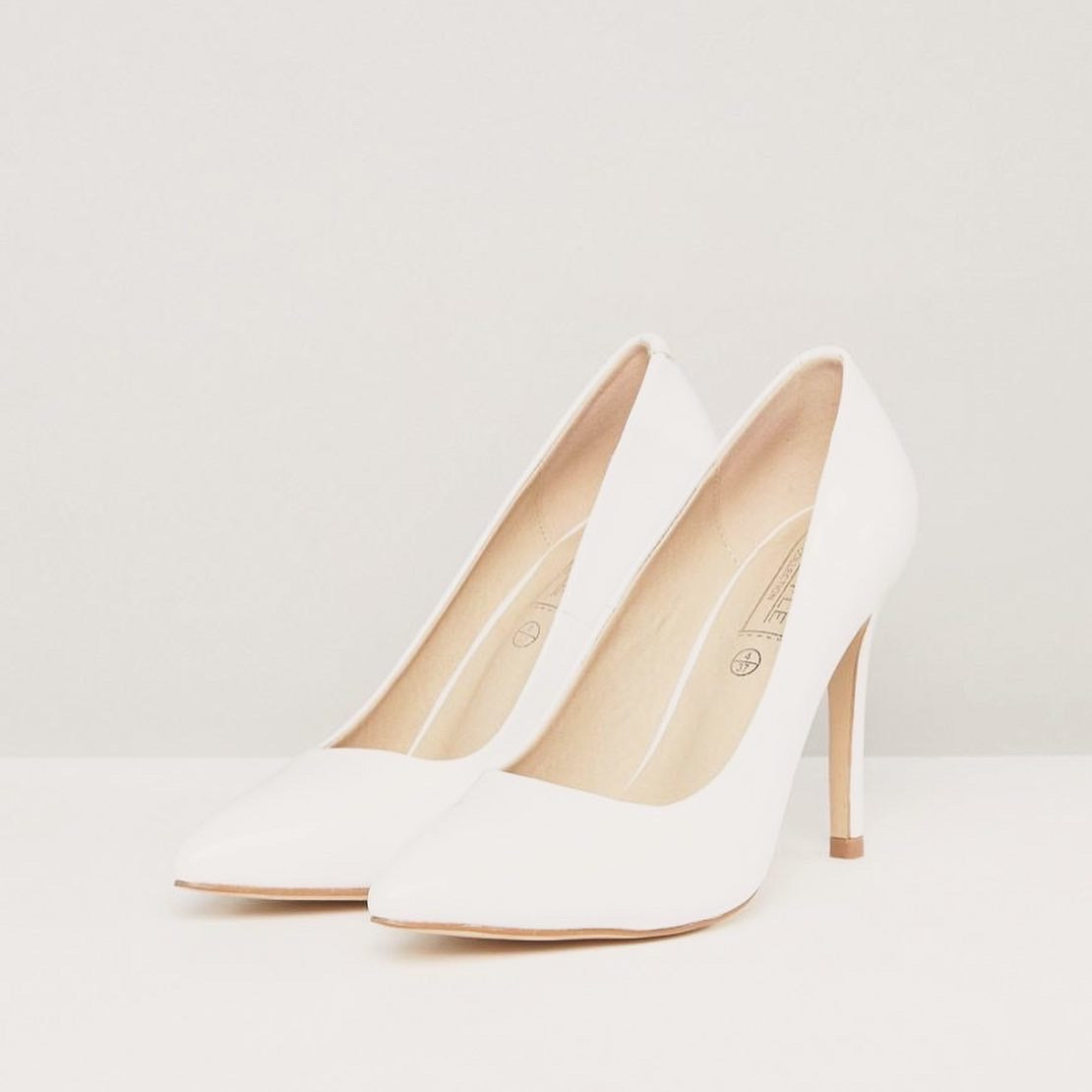 White Pumps Heels Size 7