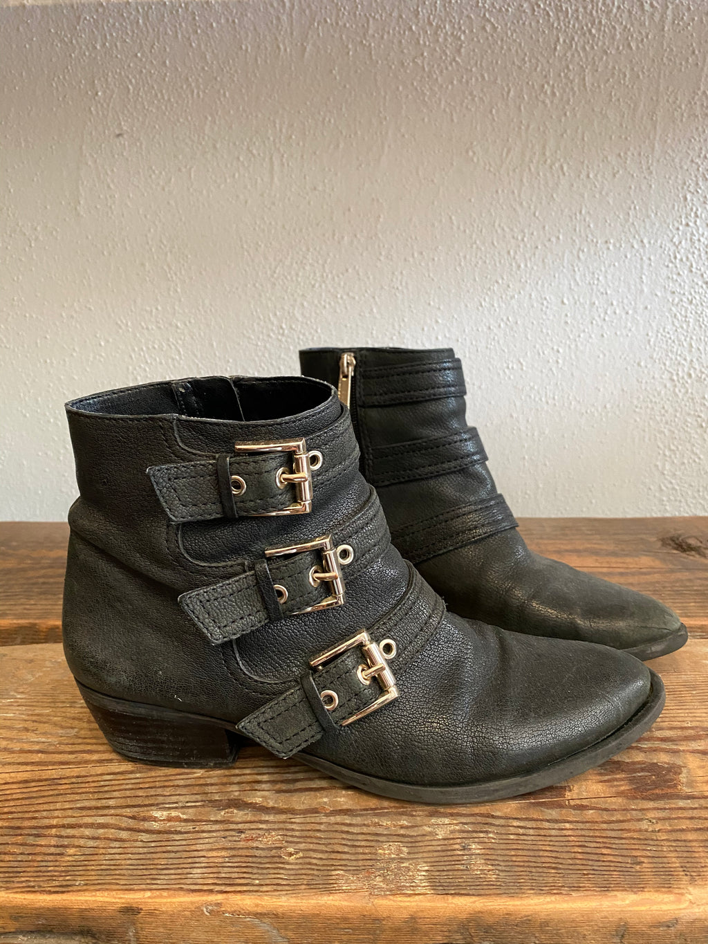 Vince Camuto Tenley Boots Size 7