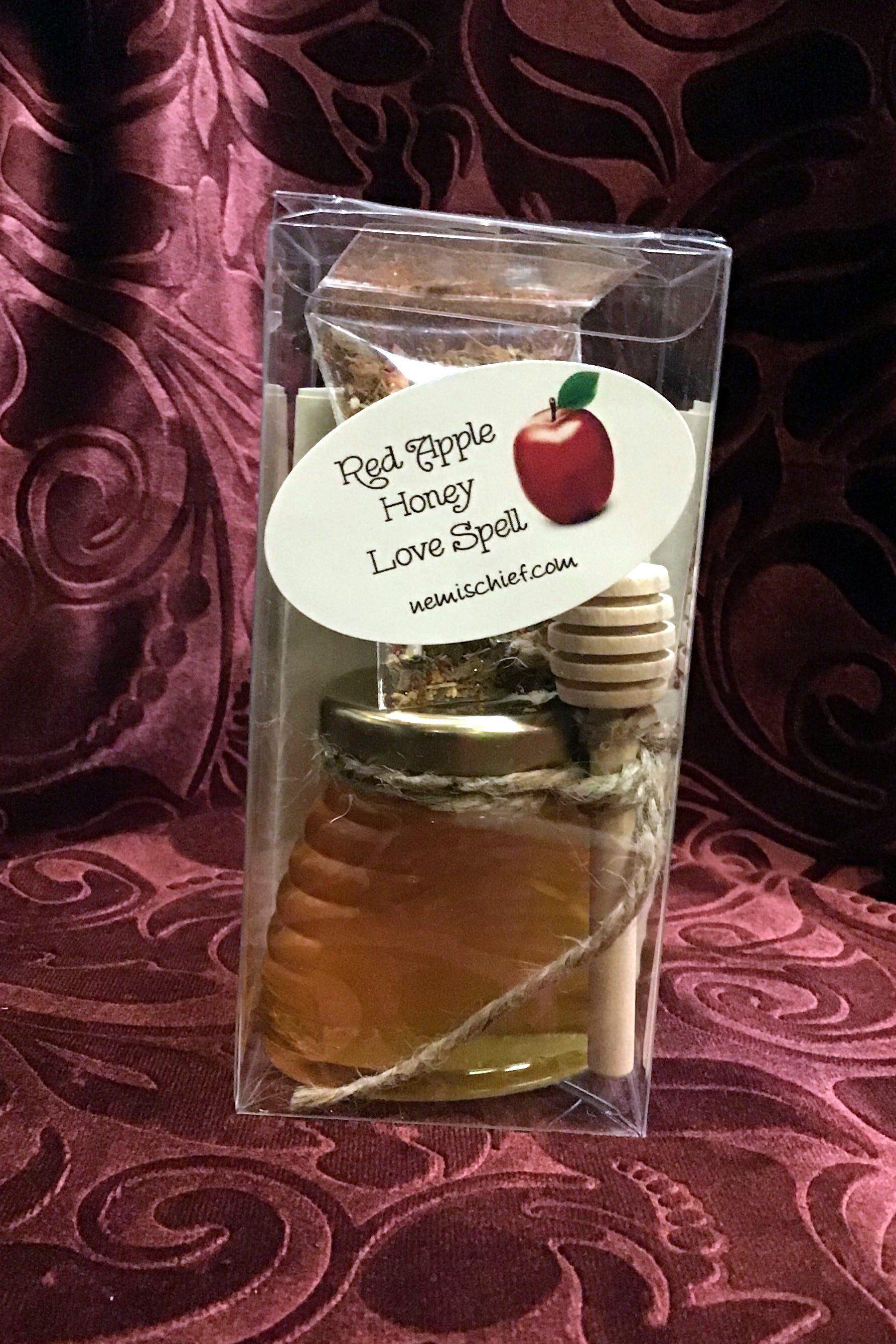 RED APPLE HONEY LOVE SPELL