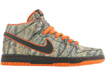 Load image into Gallery viewer, Nike Sb 'Real Tree' Dunk Mid