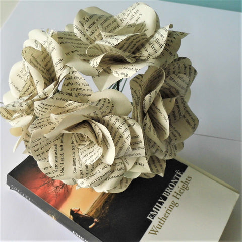 6 x Wuthering Heights Book Paper Roses