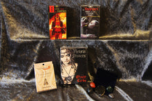 Load image into Gallery viewer, Gothic Vampires Gift Set