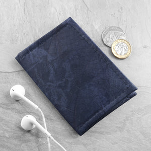 Bifold Cardholder in Leaf Leather - Midnight Blue