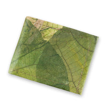 Load image into Gallery viewer, Men's Wallet in Leaf Leather - Leaf Green