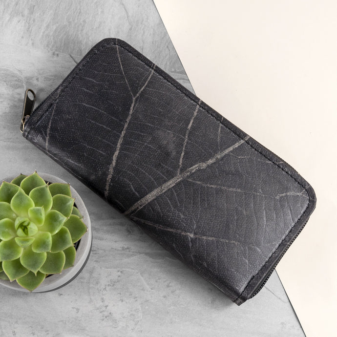Ladies Zip Over Wallet in Leaf Leather - Pebble Black