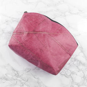 Make Up Bag Medium in Leaf Leather - Coral Pink