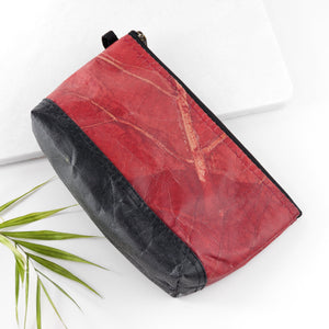 Riverside Wash Bag in Leaf Leather - Berry Red