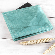 Load image into Gallery viewer, Mens Wallet in Leaf Leather - Teal