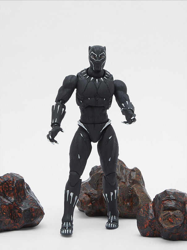 S.H. Figuarts Avengers: Infinity War Black Panther Action Figure + Tamashii Effect Rock