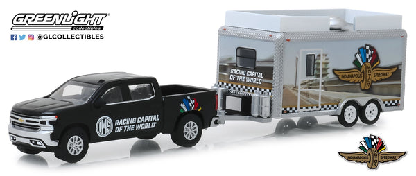 Wing Wheel and Flag Chevrolet Hit & Tow 1:64 Diecast