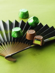 R Chocolat Green Fan Vertical (2)