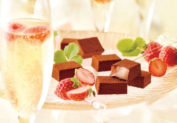 "Nama Chocolate ""Strawberry Champagne"""
