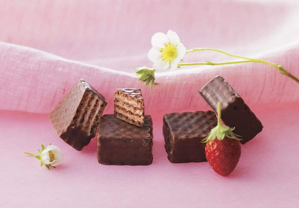 "Chocolate Wafers ""Strawberry Cream"" milk chocolate wafers with strawberry cream"