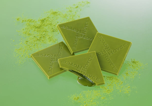 "Prafeuille Chocolat ""Matcha"" white chocolate squares infused with green tea and filled with green tea sauce"