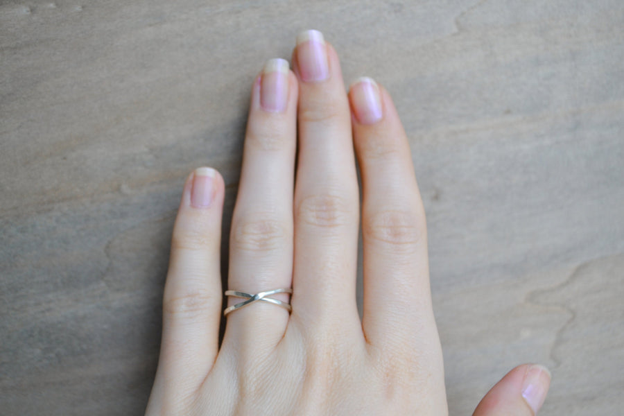 minimal criss cross ring