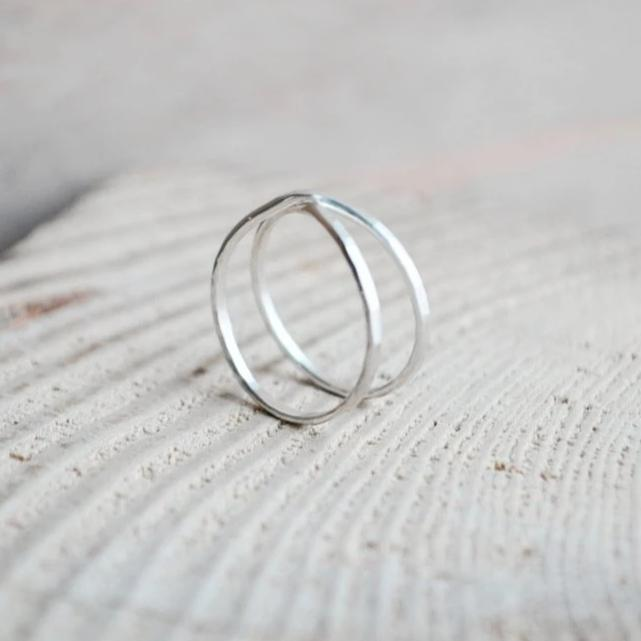 simple criss cross ring
