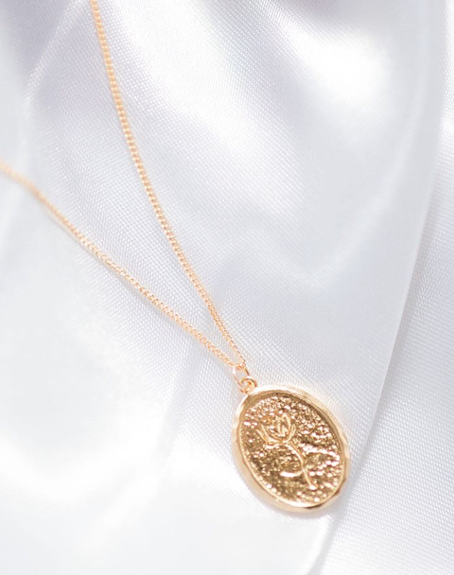 rose charm gold necklace