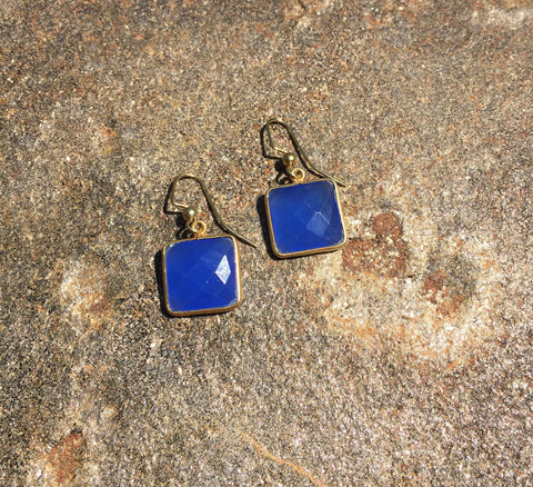 Square chalcedony agate drops