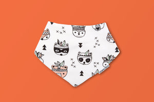 organic-cotton-baby-bib-racoon-creative-finds