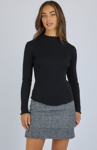 High Neck Knit Top With Lettuce