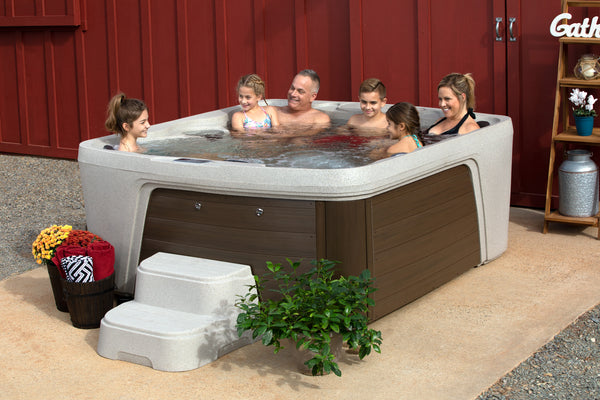 How to Enjoy your Hot Tub During the Summer Months