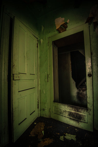 Old Stone Tavern: Green Door