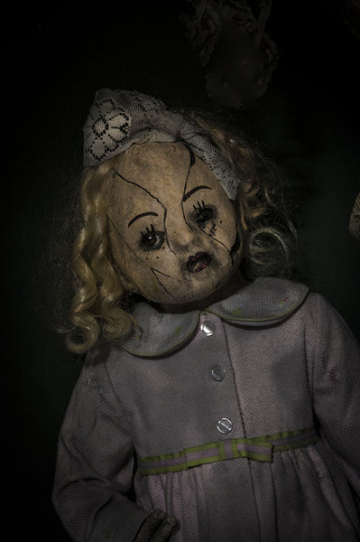 ScareHouse: Doll in Pink