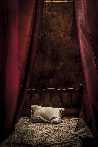 ScareHouse: Red Bedroom