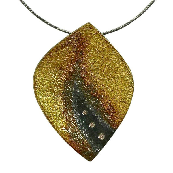 Ombre flame pendant with 3 diamonds