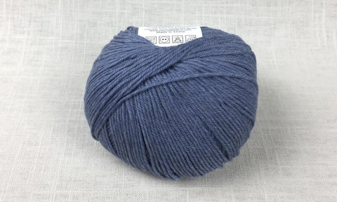cascade 220 superwash light worsted DK 1944 westpoint blue