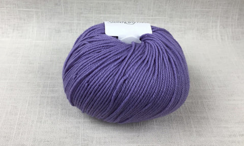 cascade 220 superwash light worsted DK 1967 wisteria