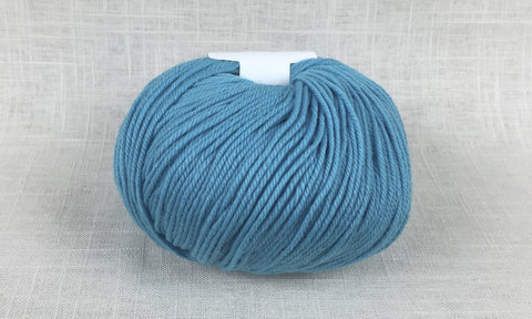 cascade 220 superwash light worsted DK 849 dark aqua