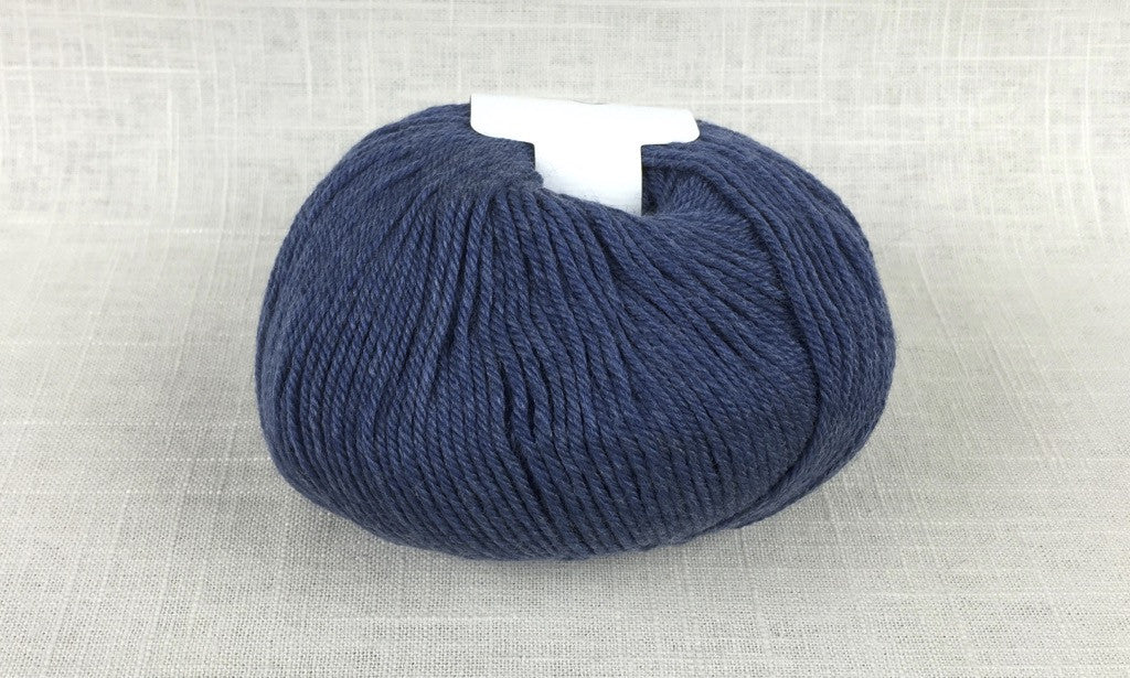 cascade 220 superwash light worsted DK 904 colonial blue heather