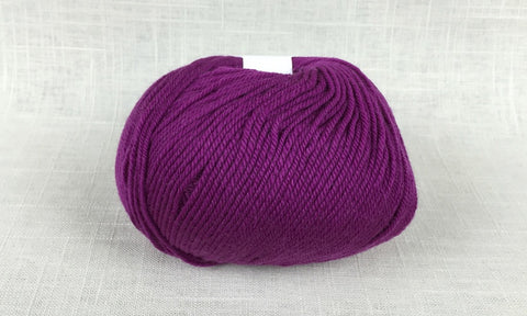cascade 220 superwash light worsted DK 908 magenta