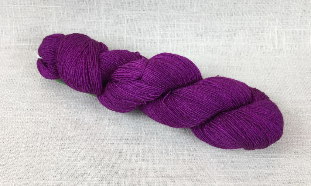 candy skein yummy fingering superwash wool boysenberry jam