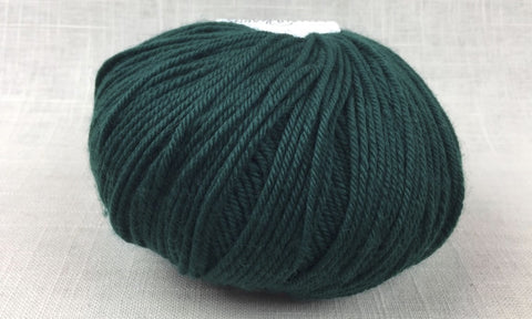cascade 220 superwash light worsted DK 1950 hunter green