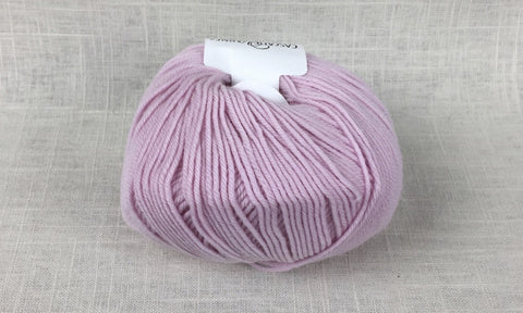 cascade 220 superwash light worsted DK 894 strawberry cream pink