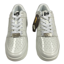 Load image into Gallery viewer, 5 Brand New Bape Triple White PL Sta With Box
