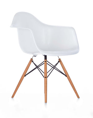 Eames DAW Chair, white shell, golden maple legs